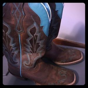 size 7.5 Ariat women's boots